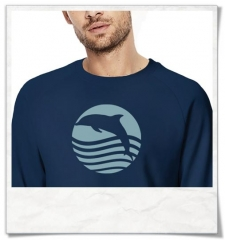 Sonnenuntergang mit Delfin | Männer Sweatshhirt aus Biobaumwolle
