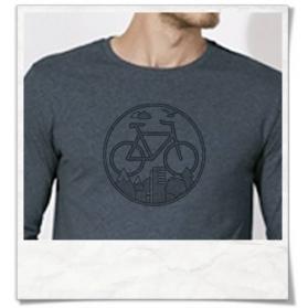 """Radfahrer-Shirt Fahrrad / Bike Langarm T-Shirt in Blau Fair hergestellt & aus Biobaumwolle . Fahrrad-Shirt """"Unter den Wolken"""""""