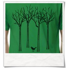 Männer T-Shirt Vogel im Wald in Grün