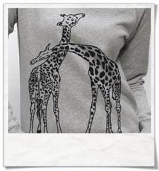 Giraffe in love / women Sweatshirt / Grey / Fair and Organic