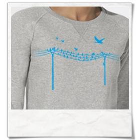 Vögel auf einem Elektromast Sweatshirt