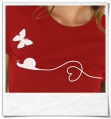 T-Shirt Schnecke & Schmetterling T-Shirt in Rot aus Biobaumwolle
