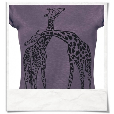 16a793bf Giraffes in love T-Shirt / Violet / women's T-shirts