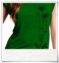 Flowers / women T-Shirt / Green / Fair and Organic