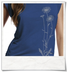 Flowers / women T-Shirt / Blue / Fair and Organic